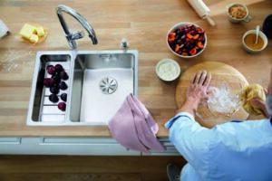 Lækre vaske i træbordplader og underlimet vaske til massivtræ hos Onlinebordplader.dk